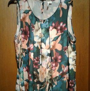 Elle teal floral dressy top in XL.